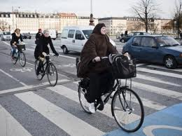 hijab cyclcit